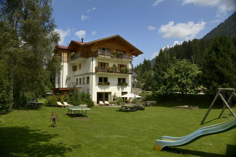Familienhotel residence st nikolaus s nicol for Familienhotel design