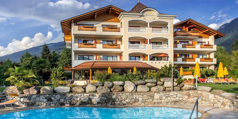 Hotel sonnenburg merano for Primo hotel in cabina